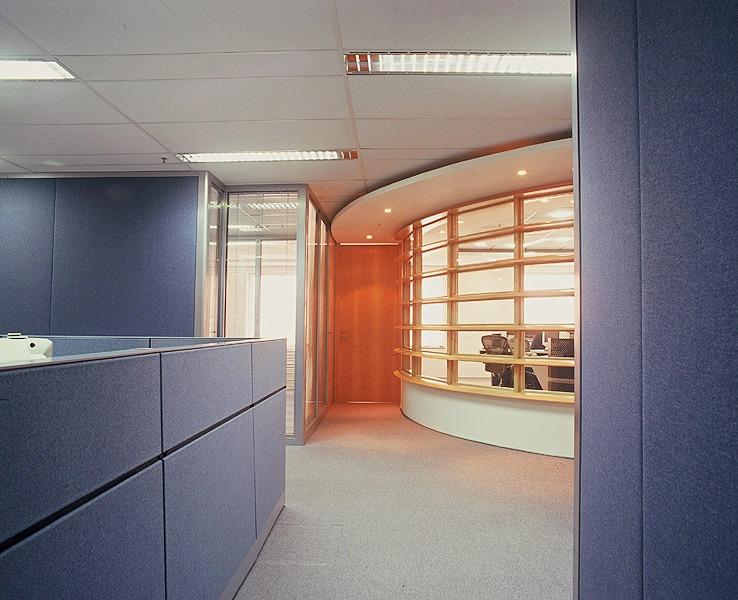 Projeto de decoração de interiores para corretora de valores