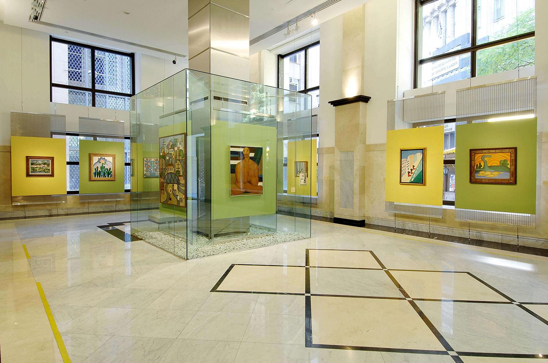 Projeto de arquitetura e interiores para galerias de arte